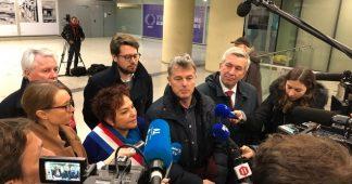 A Paris, des partis de gauche viennent soutenir la grève en gare de Lyon
