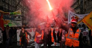 Christmas travel in France likely to be disrupted as strikes continue