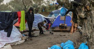 """Réfugiés en Grèce: """"Les enfants ont le regard de ceux qui ont perdu tout intérêt pour la vie"""""""