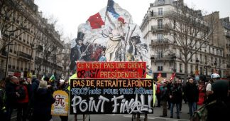 Videos of New Riots in Paris Surface as Protests Against Pension Reform Continue for Nearly a Month