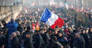Retraites : 2 Français sur 3 pour l'organisation d'un référendum