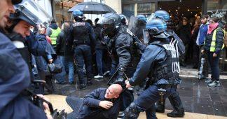 Combats de rue et violentes interpellations à Bordeaux : 29 personnes en garde à vue après l'acte 65