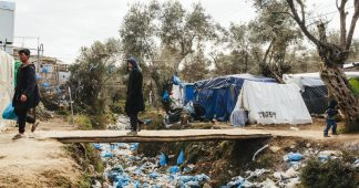 EU doctors: Bring refugees on Greek islands to safety