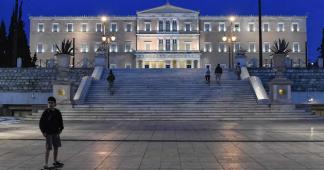 Dix ans après la crise de la dette, le spectre d'une nouvelle récession en Grèce