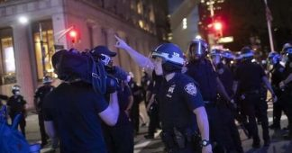 We crunched the numbers: Police — not protesters — are overwhelmingly responsible for attacking journalists