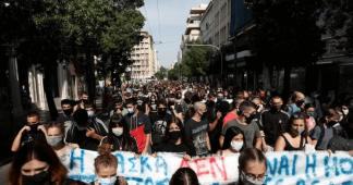 """A mask isn't enough"": Students march for sufficient measures in schools"