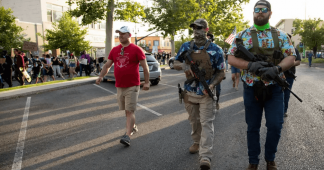 Protesters in US take arms and create militias