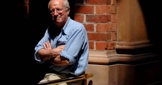 Robert Fisk: Celebrated Middle East correspondent of The Independent dies aged 74