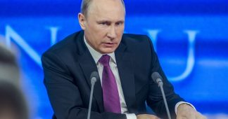 Putin Calls for Quick and Harsh Response to Violation of Russian Journalists' Rights Abroad