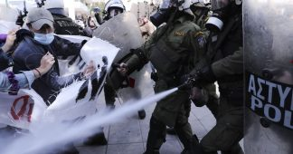 Greek police more and more brutal against massive everyday demonstrations