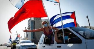 "Cuba: Caravans Take to Havana's Malecon To Say ""Unblock Cuba"""