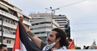 Greek police is dispersing violently people demonstrating against Israeli war crimes